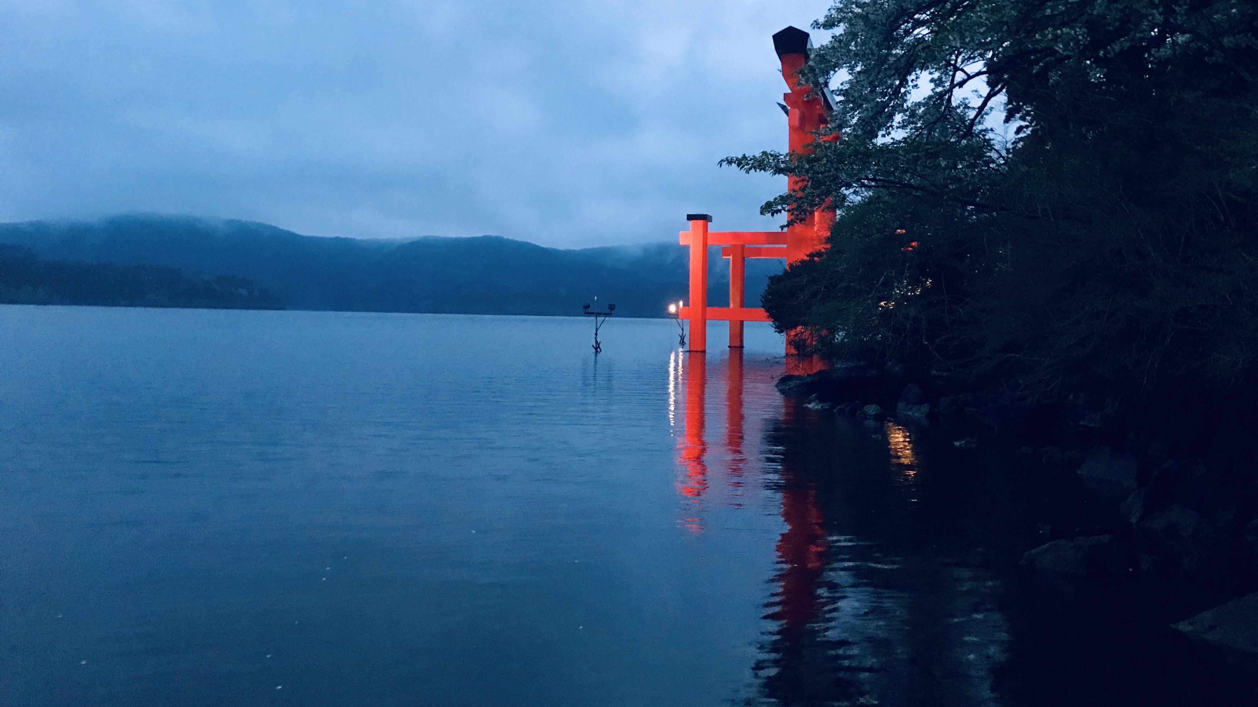 芦ノ湖箱根神社の鳥居