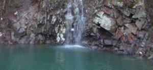銀山湖小さい滝