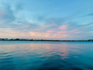 多摩川河口の夕暮れ