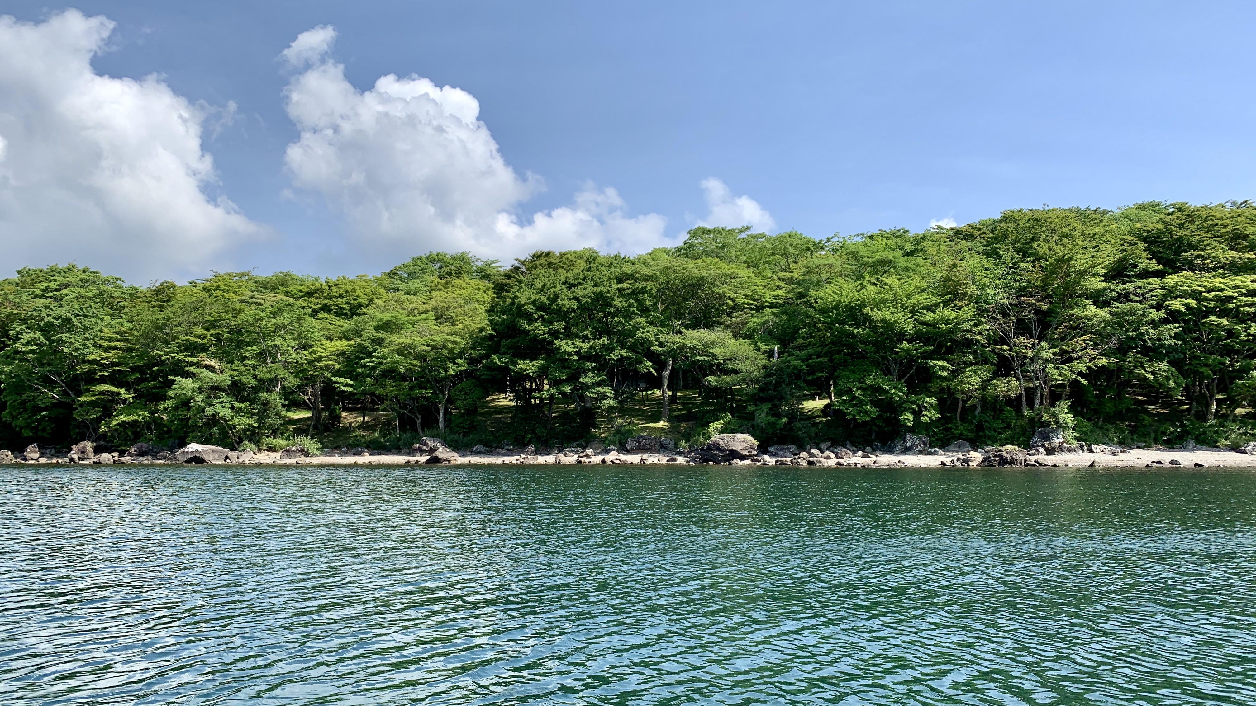 芦ノ湖湖尻キャンプ場前