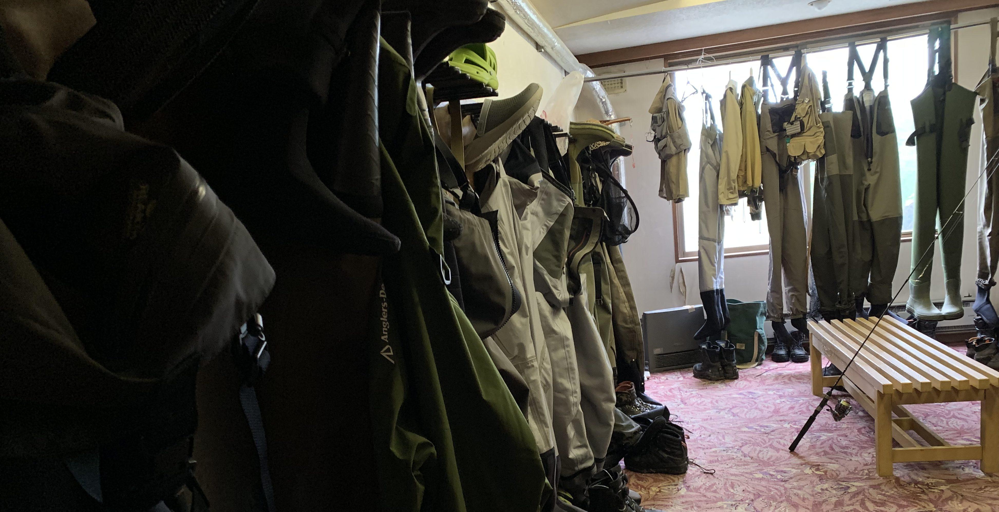 ウェーダー乾燥室