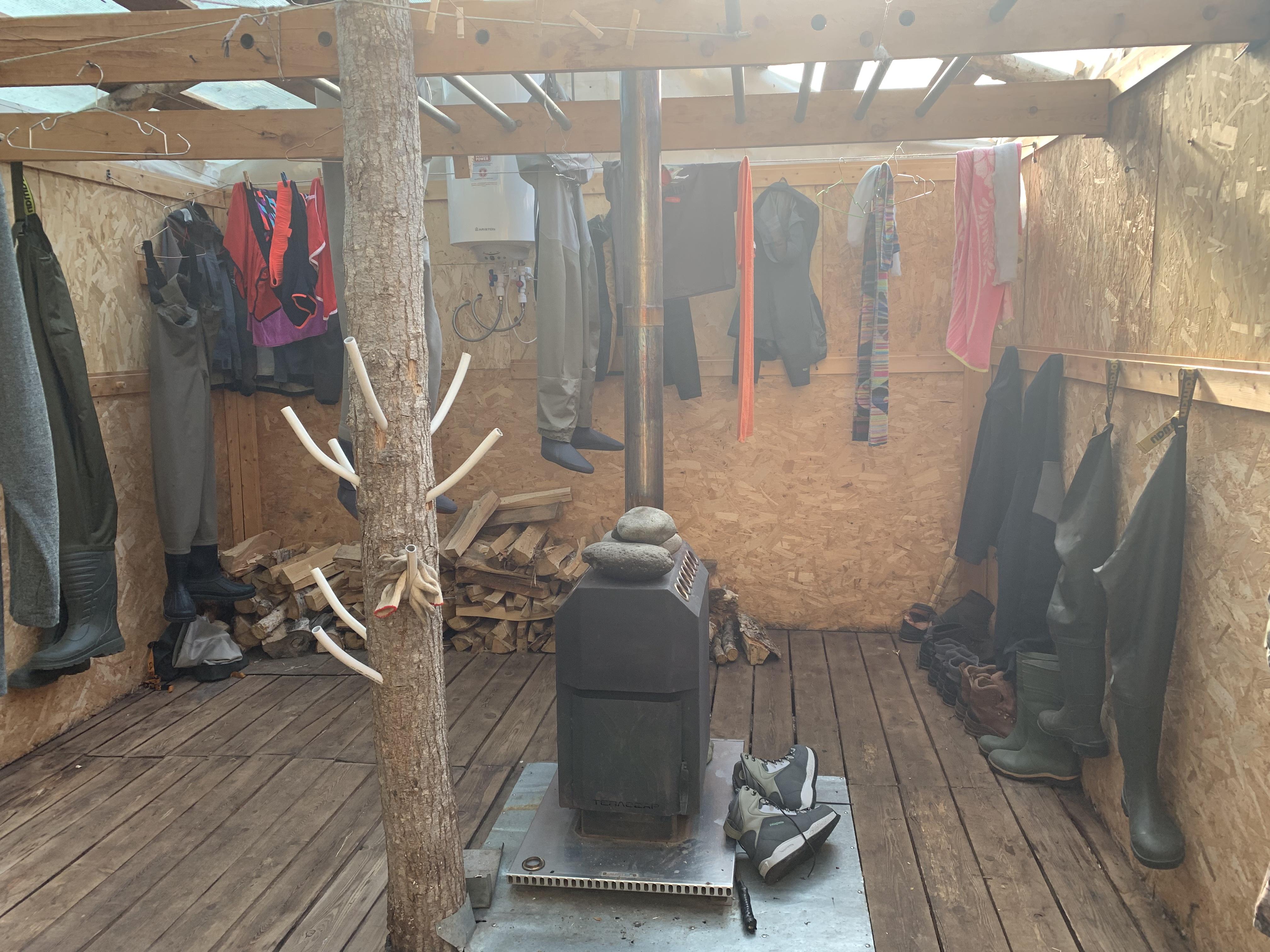 イーチャリバーロッジのウェーダー室