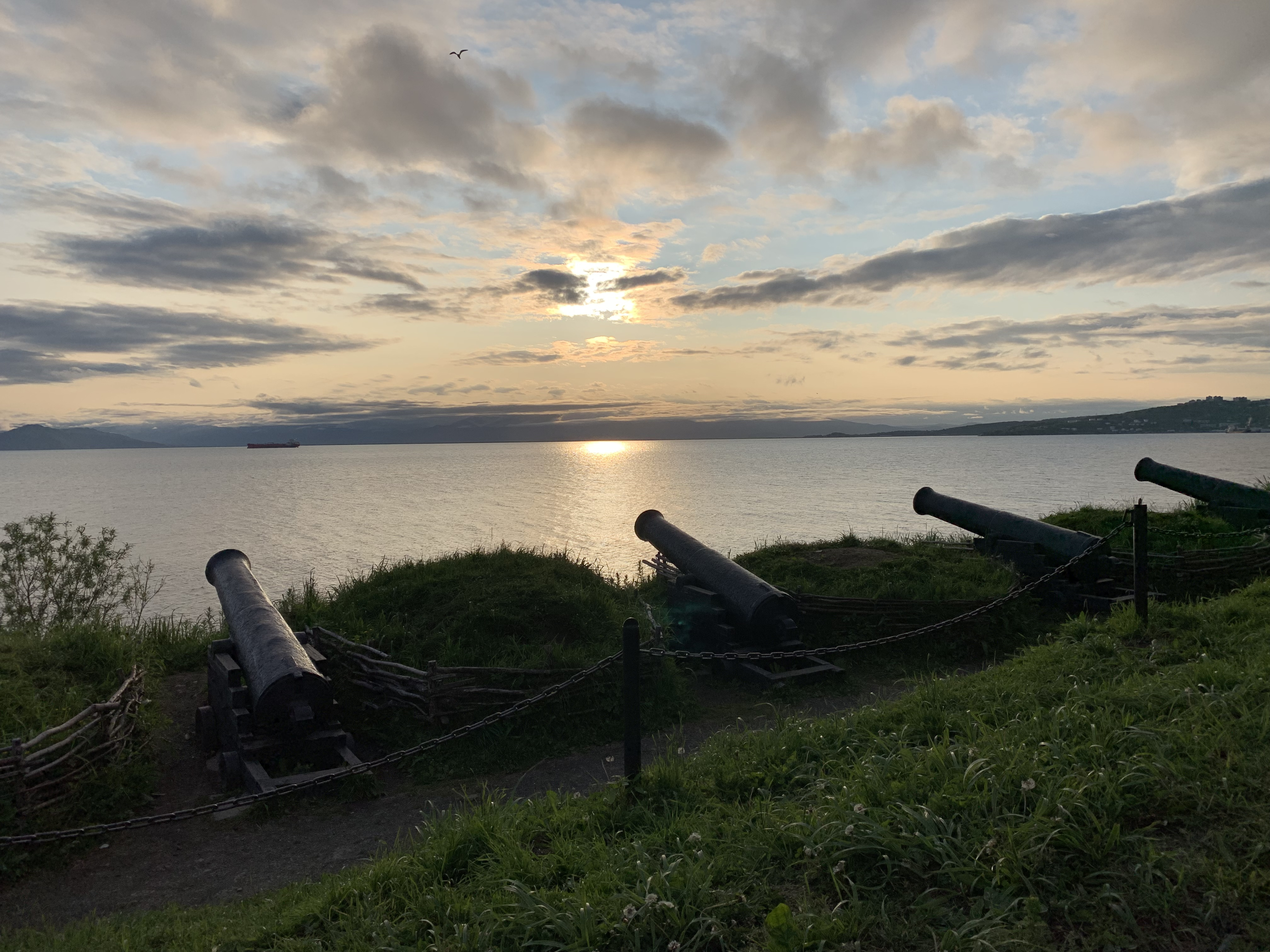 アバチャ湾に大砲
