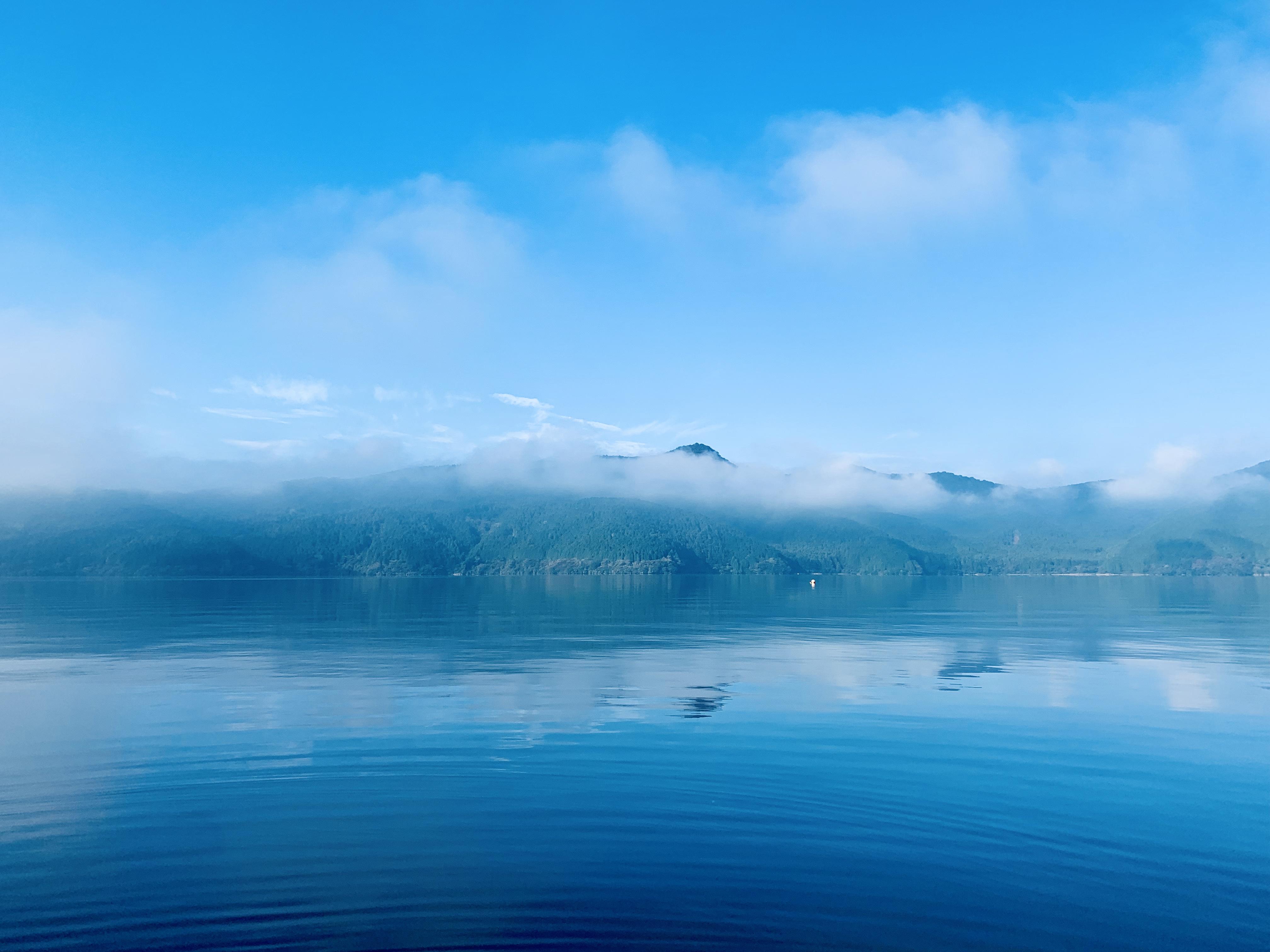 芦ノ湖の朝