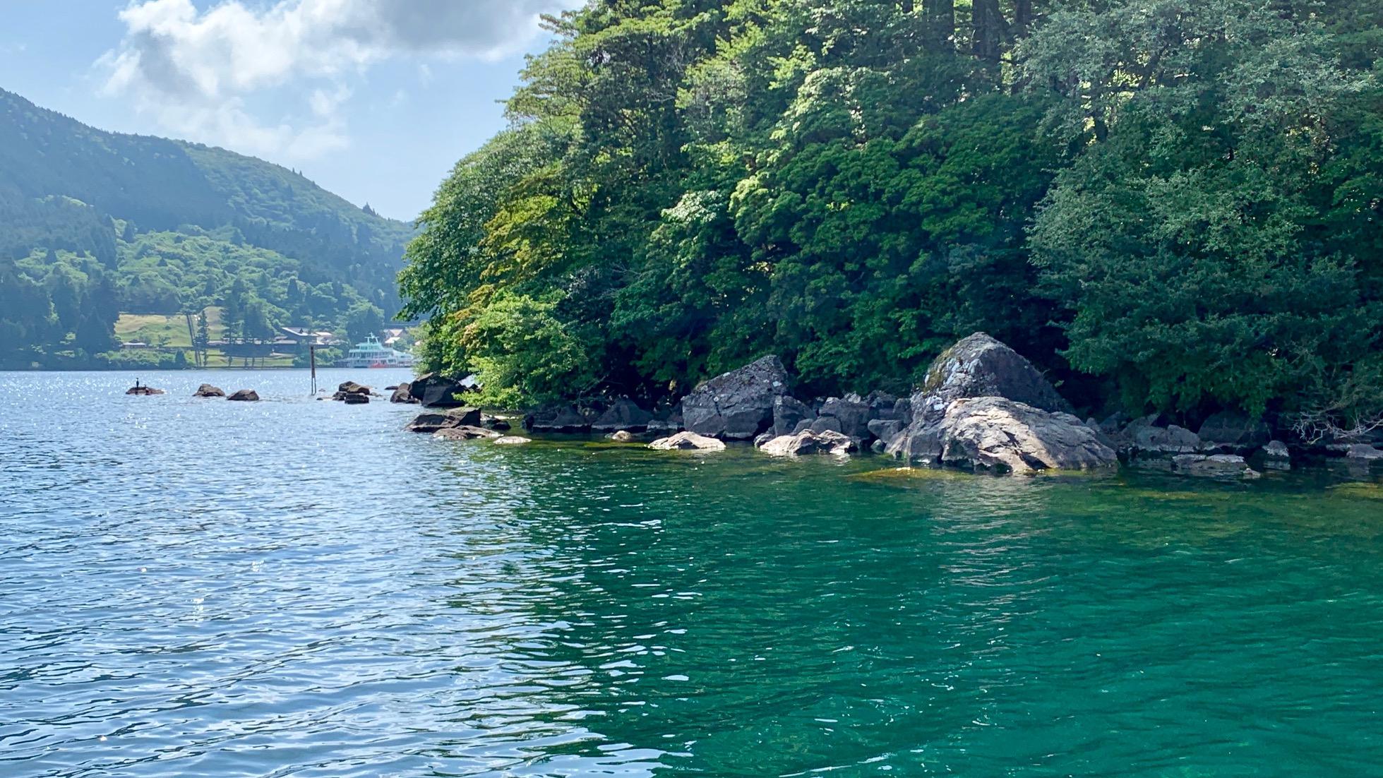 芦ノ湖 三ツ石