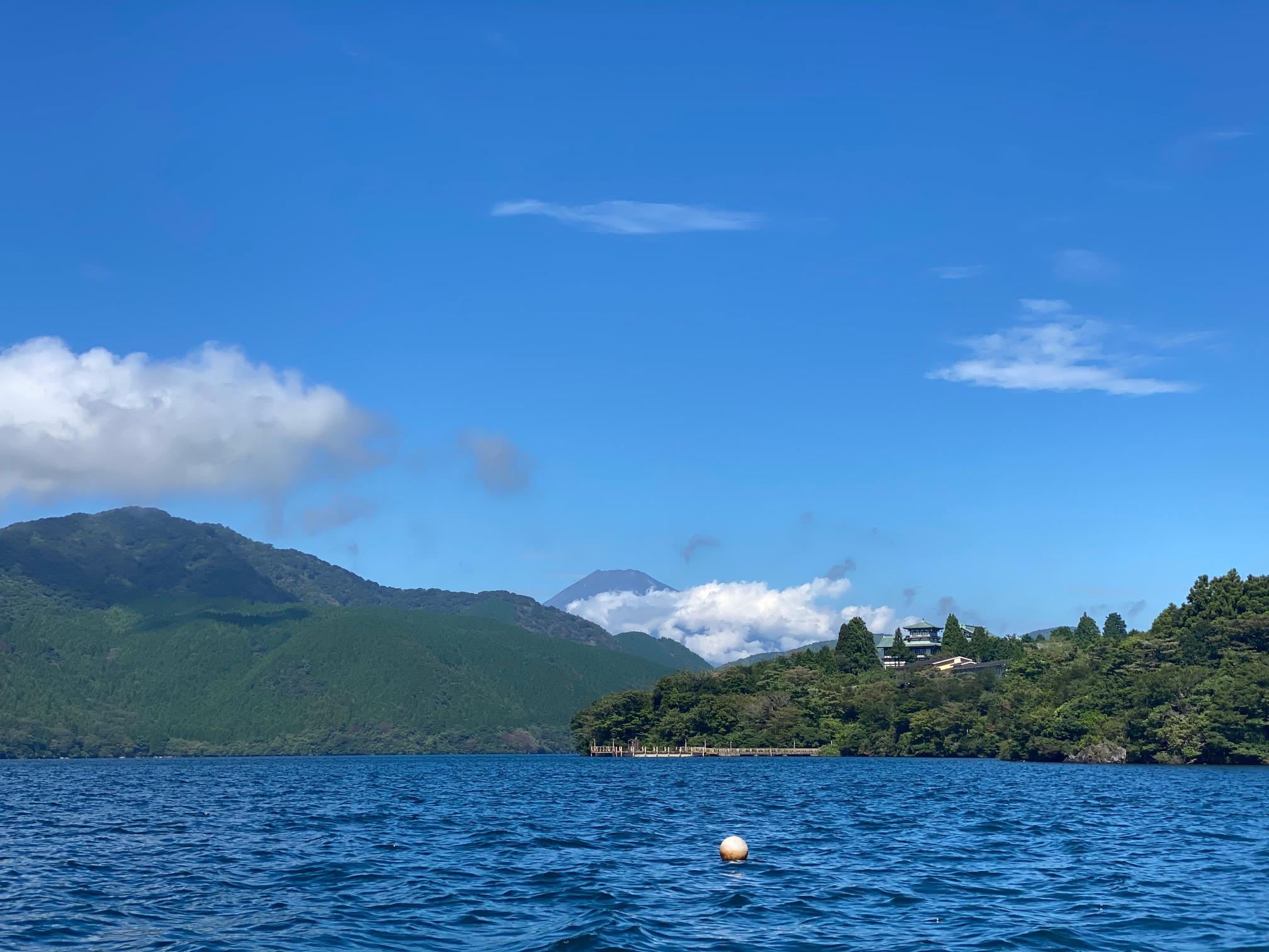 芦ノ湖から見る夏富士