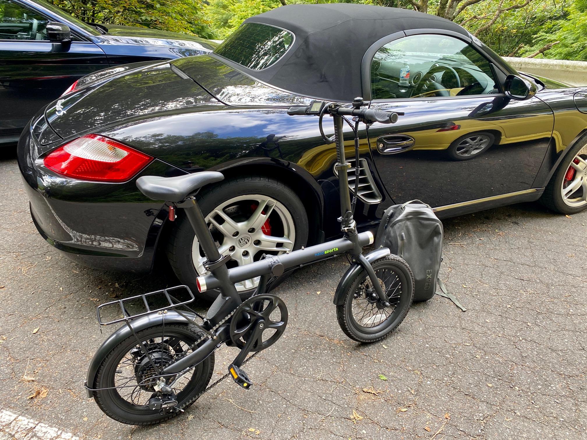 ポルシェに折り畳み自転車を乗せて釣り