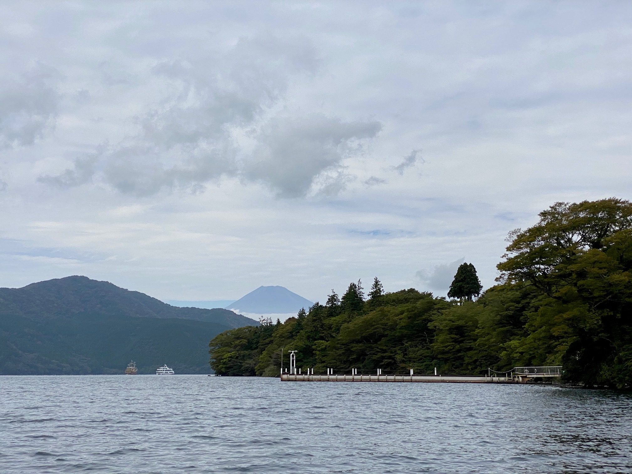 芦ノ湖の初秋