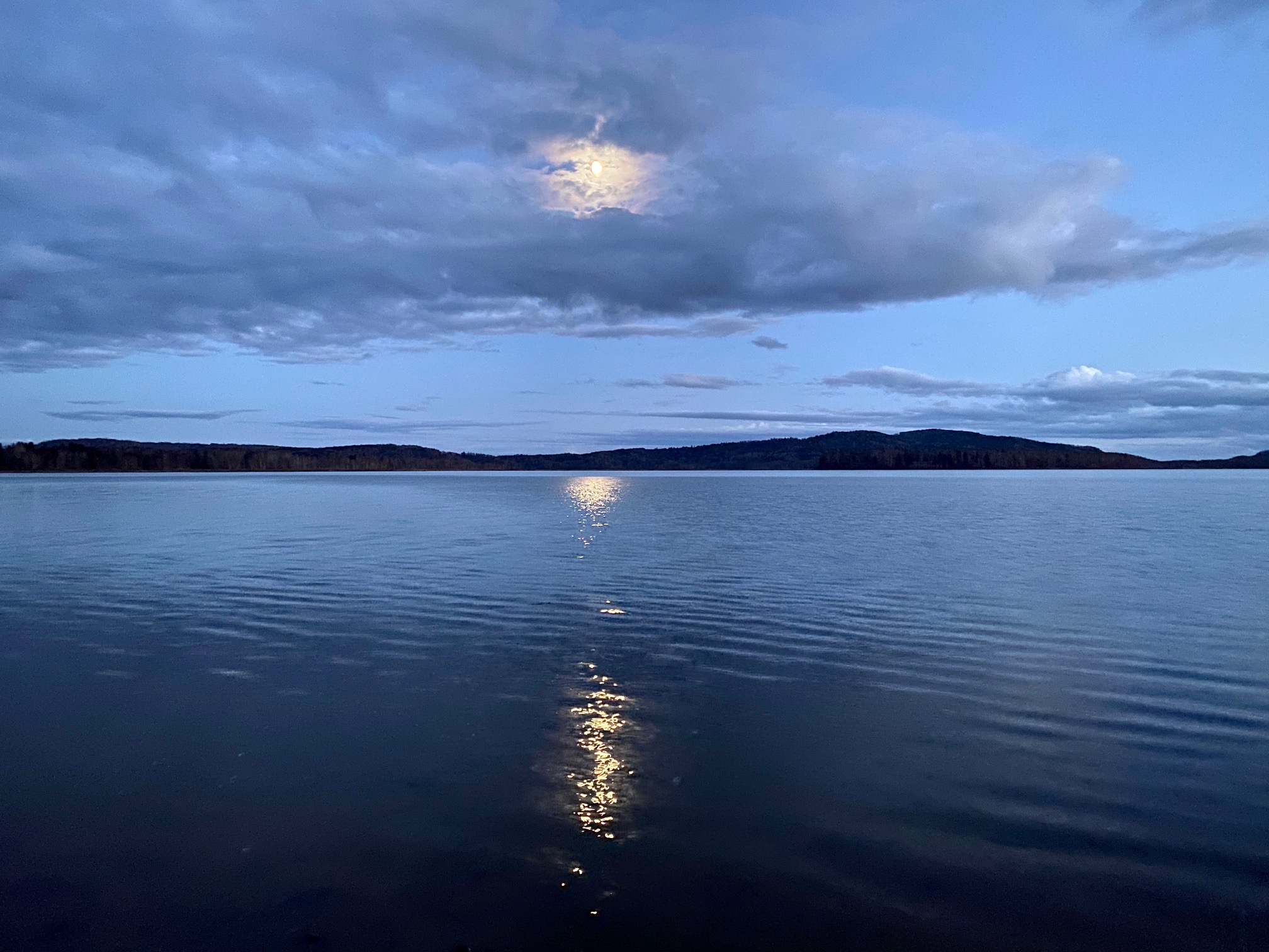 朱鞠内湖の夕刻