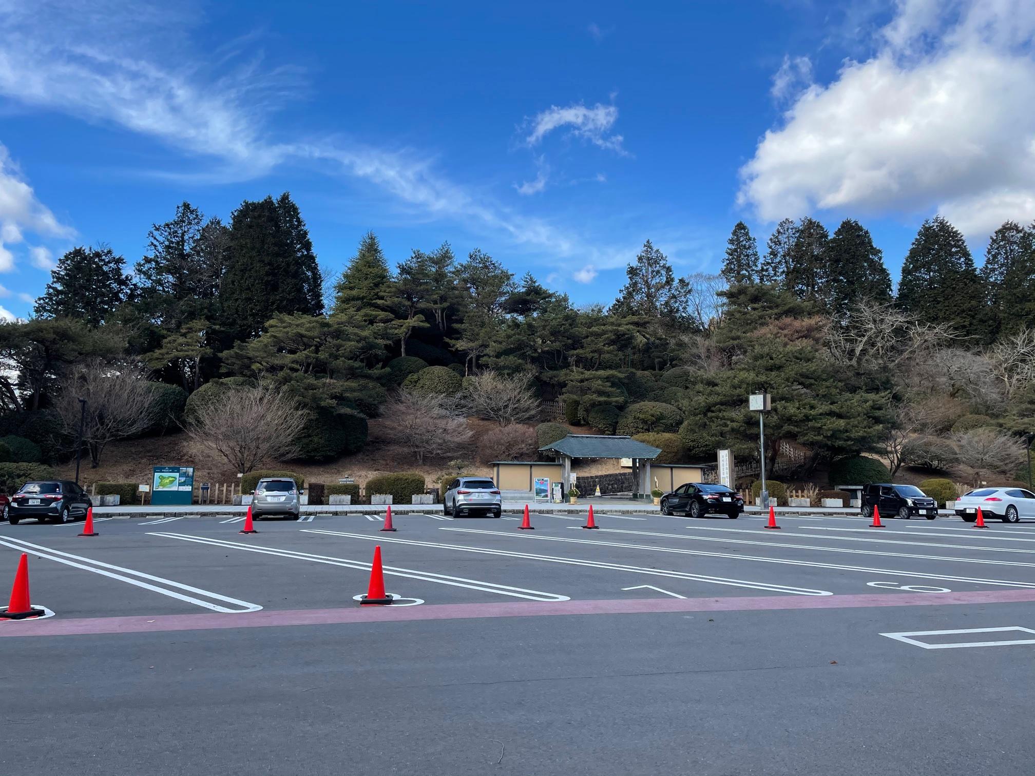 恩賜公園駐車場