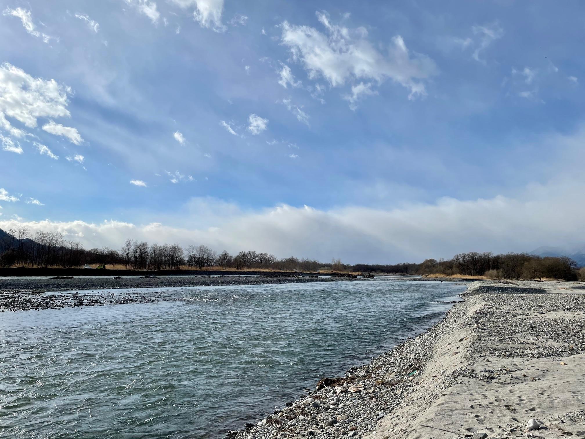 犀川の流れ