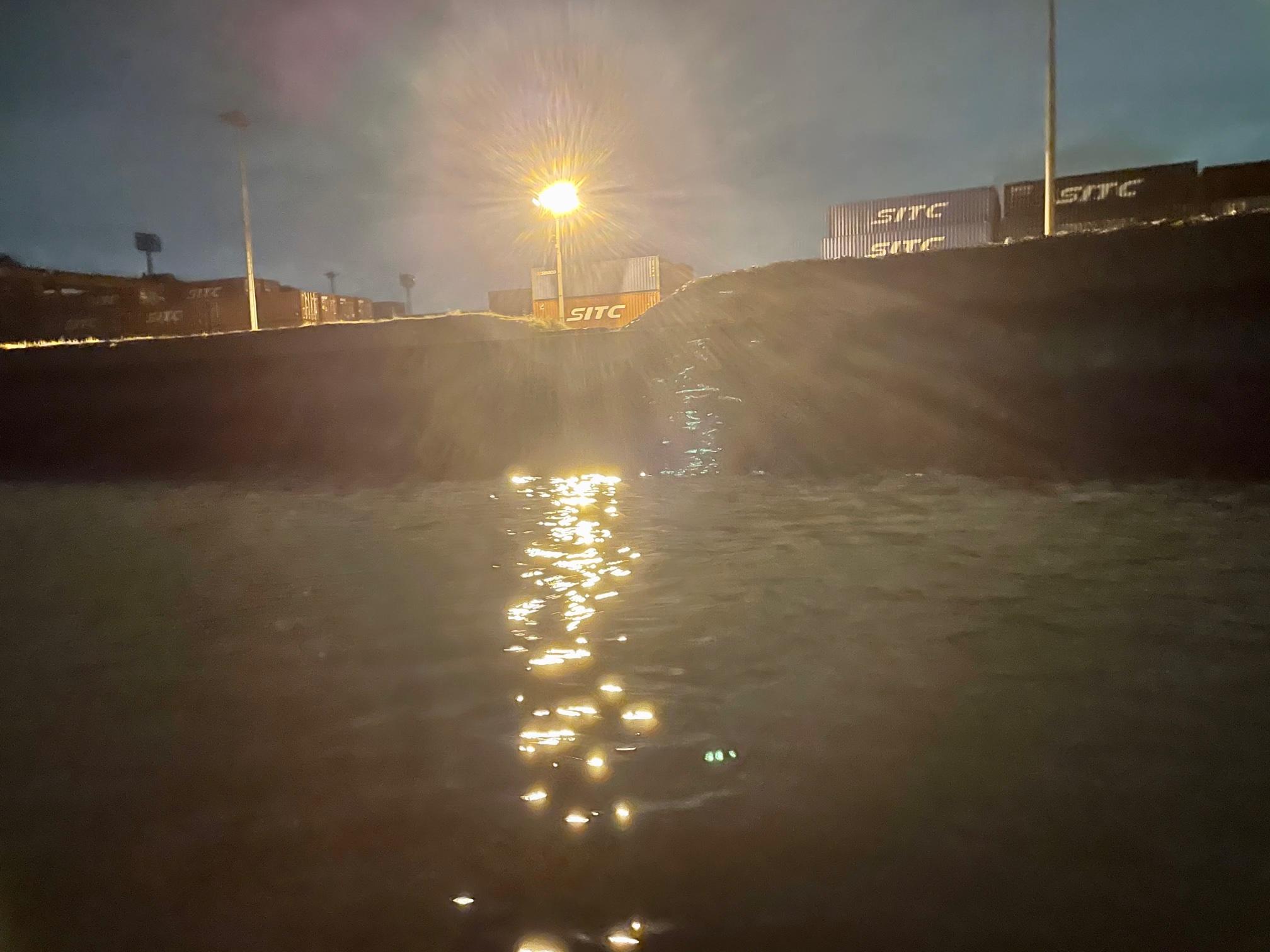 常夜灯の釣り