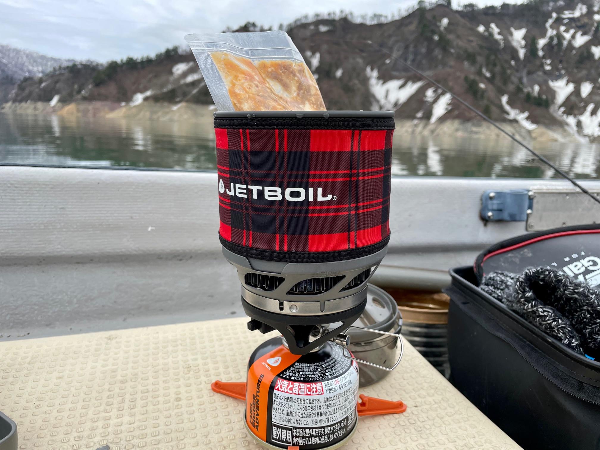 銀山湖の昼飯