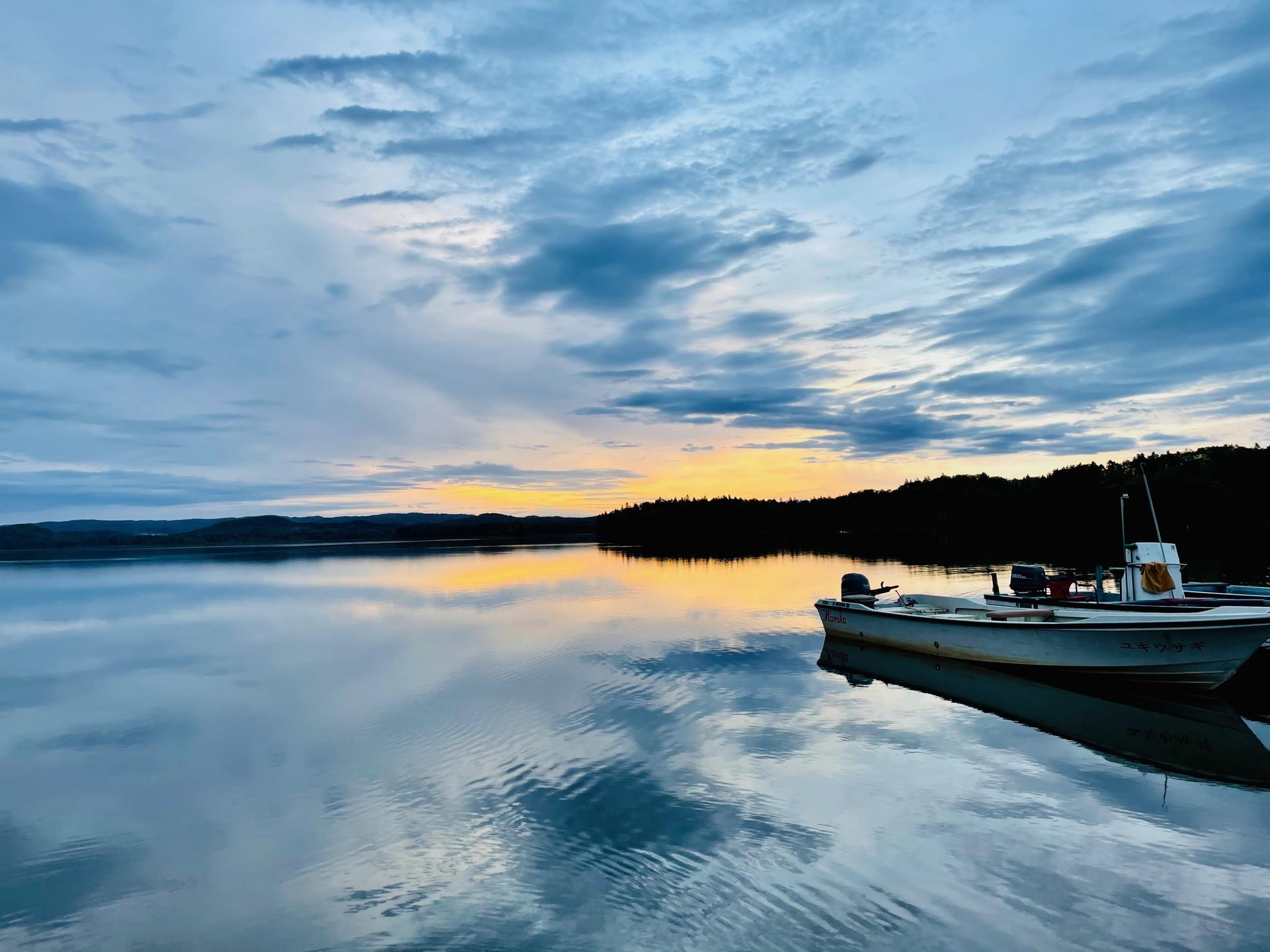 朱鞠内湖は渡船でポイントへ