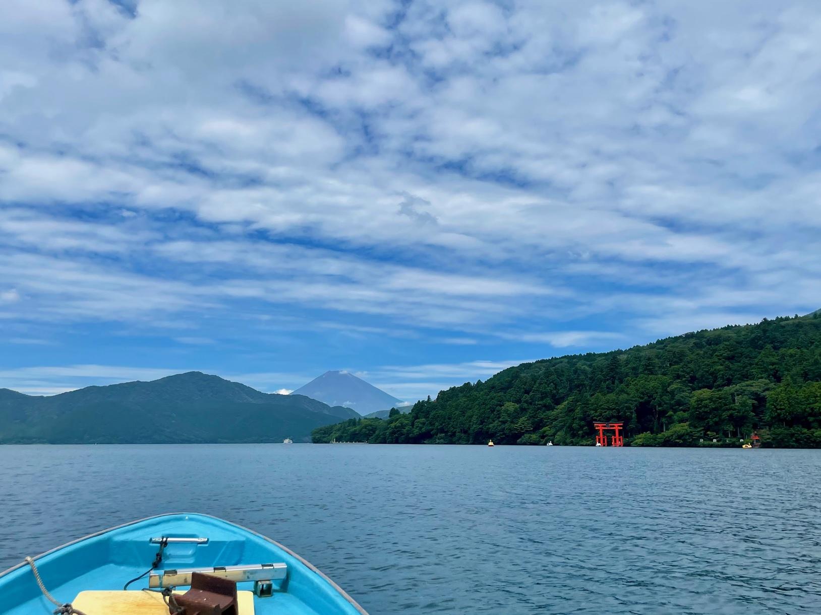 ボートで芦ノ湖を釣る